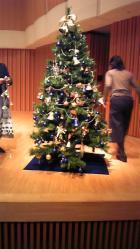 20091220_クリスマスコンサートのセッティング